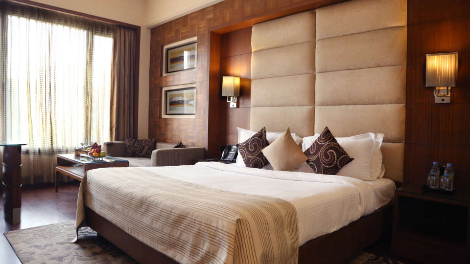 Deluxe Rooms at The Bristol Hotel Gurgaon, Rooms in Gurgaon 4