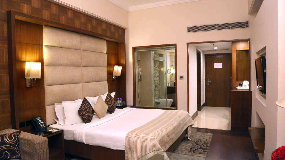 Premium Rooms at The Bristol Hotel Gurgaon, Rooms Near Sikanderpur Metro Station 3