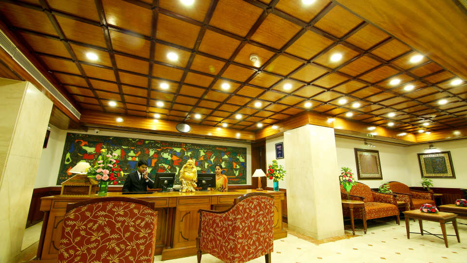 Lobby Reception The Gokulam Park Kochi 1