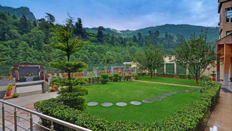 Garden at The Manali Inn Hotel