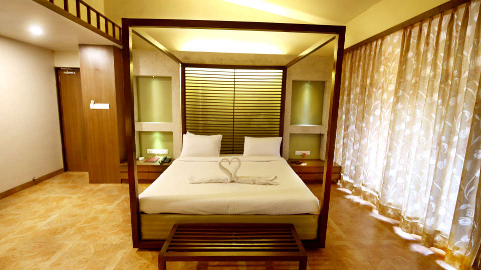 Lonavala Hotel Room_Zara s Resort_Lonavala Pool Resort 1