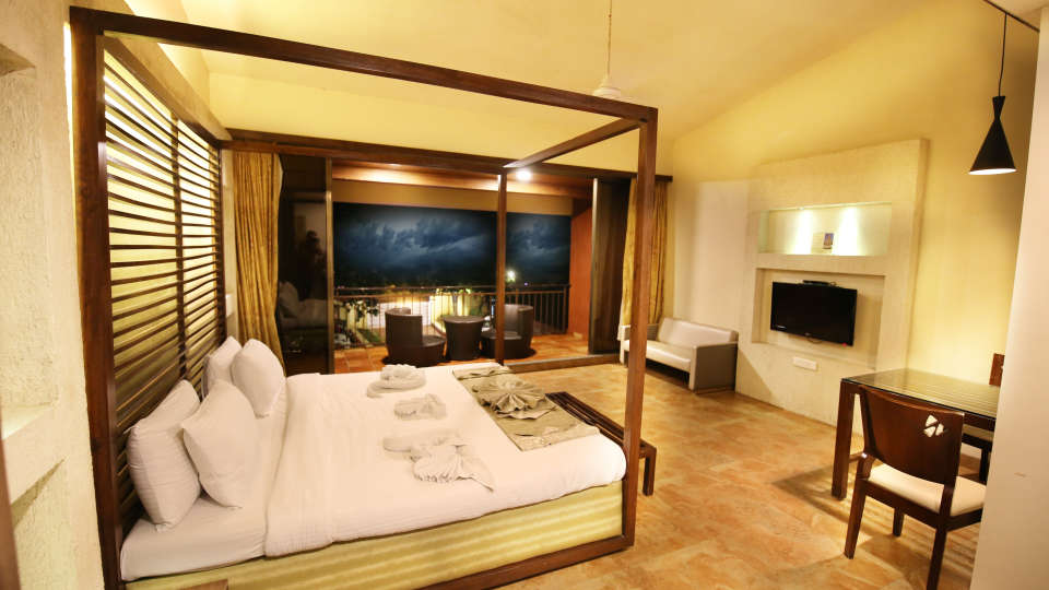 Lonavala Hotel Room_Zara s Resort_Lonavala Pool Resort 2