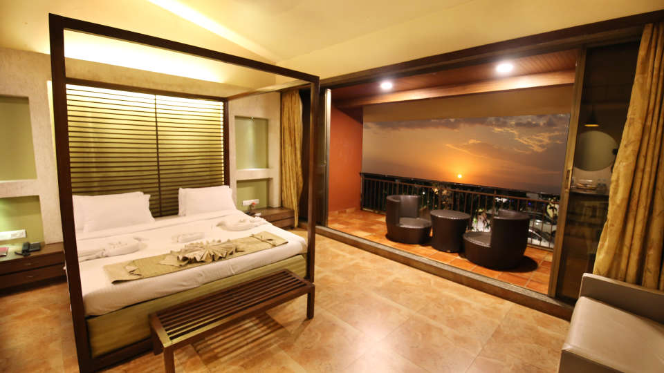 Lonavala Hotel Room_Zara s Resort_Lonavala Pool Resort 4
