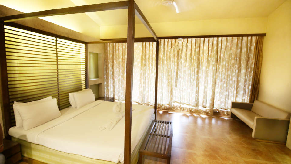 Moghul Room Zara s Resort Budget Hotel in Lonavla 6