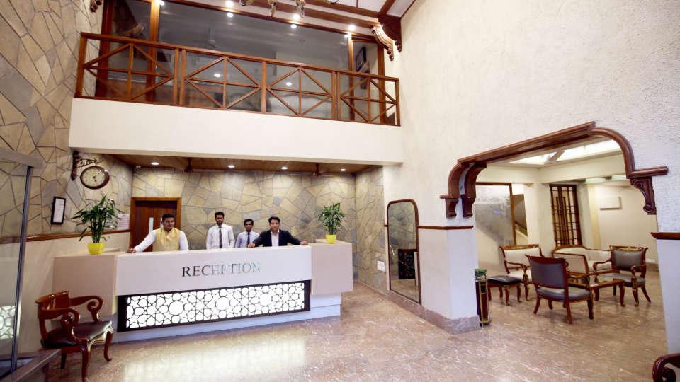 Reception Zara s Resort Khandala Hotel in Pune 1