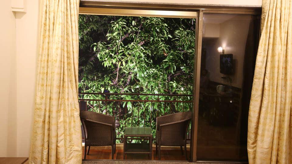 Super Deluxe Room, Zara's Resort, Khandala, Rooms in Lonavla 3