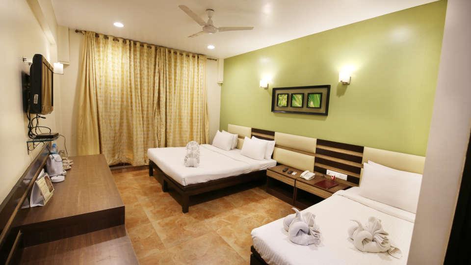 Super Deluxe Room, Zara's Resort, Khandala, Rooms in Lonavla 5