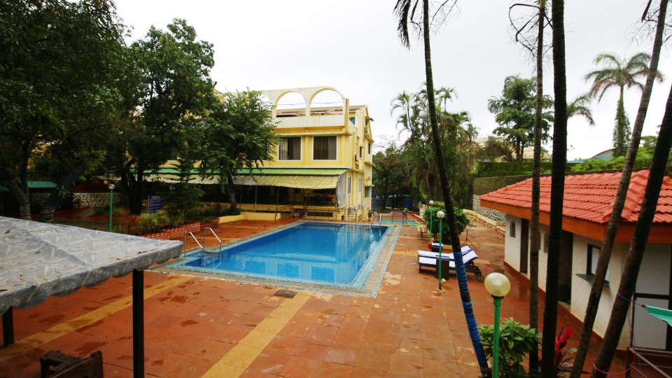 Swimming Pool Zara s Resort Khandala Hotels near Lonavla Railway Station 3
