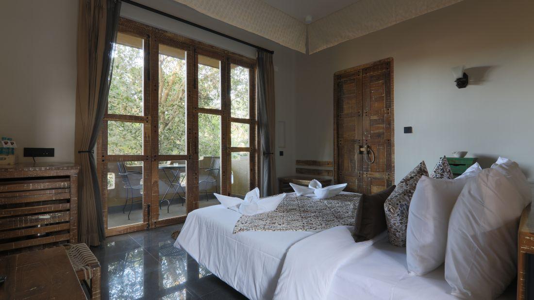 Room   Balcony 3