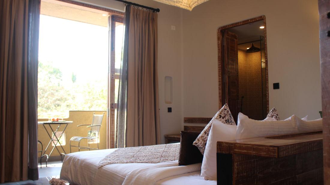 Room   Balcony 5