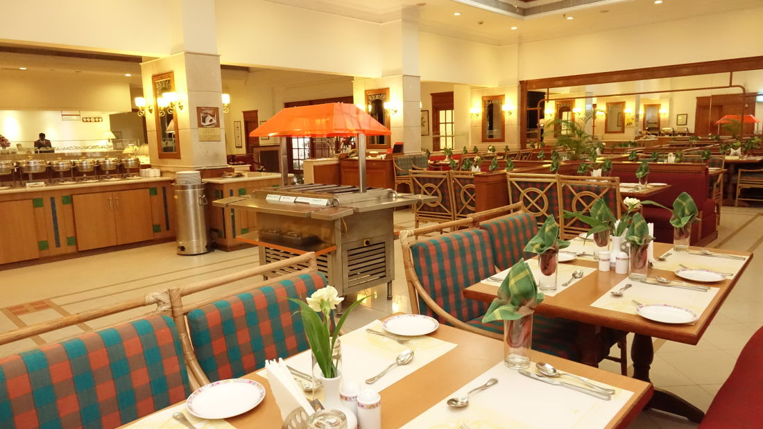 Multicuisine restaurant in Cochin, Best Restaurants in Cochin, Abad Atrium, Cochin-9
