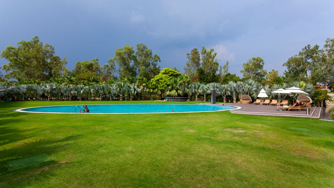 Pool-Side6