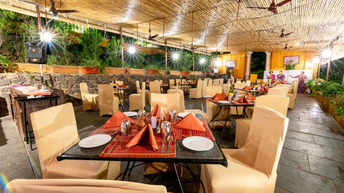 Food Restaurant 11
