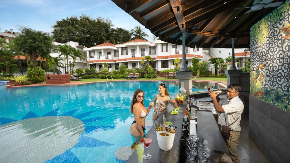 Heritage Village Resort and Spa Goa, Pool Sunken Bar 15