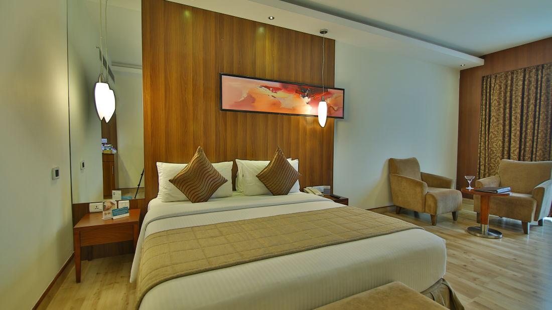 deluxe room, hotel gokulam park, hotel in coimbatore 2