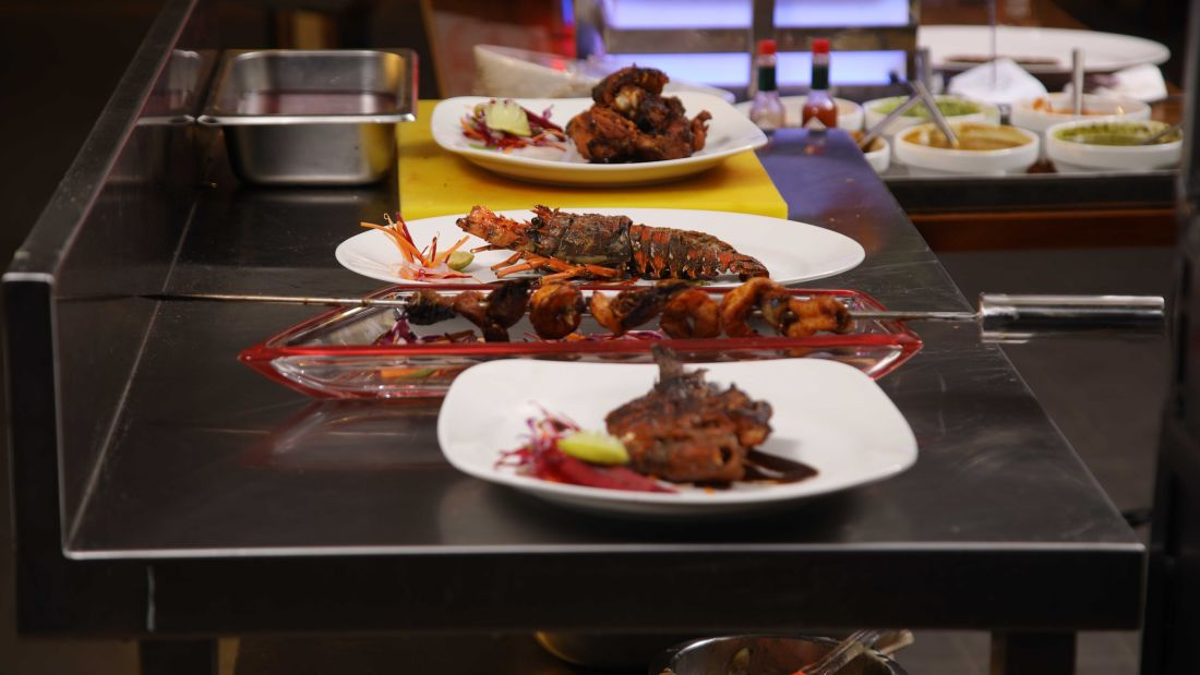 Places to eat in Trivandrum, Misty Moon Restaurant, Hotel Karthika Park