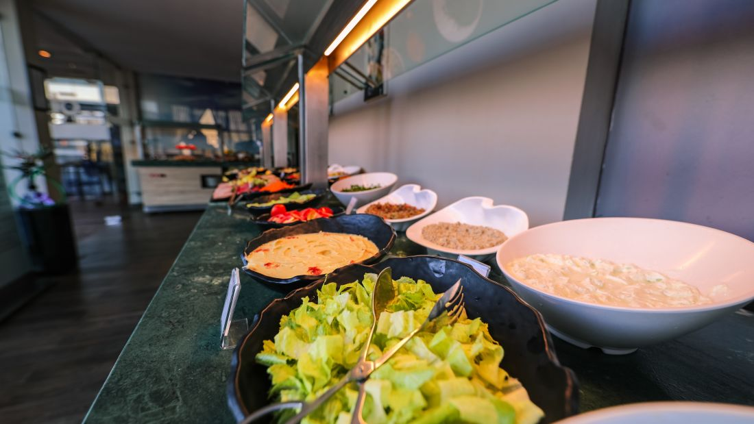 selective-focus-photograph-of-plate-of-food-beside-wall-2291347