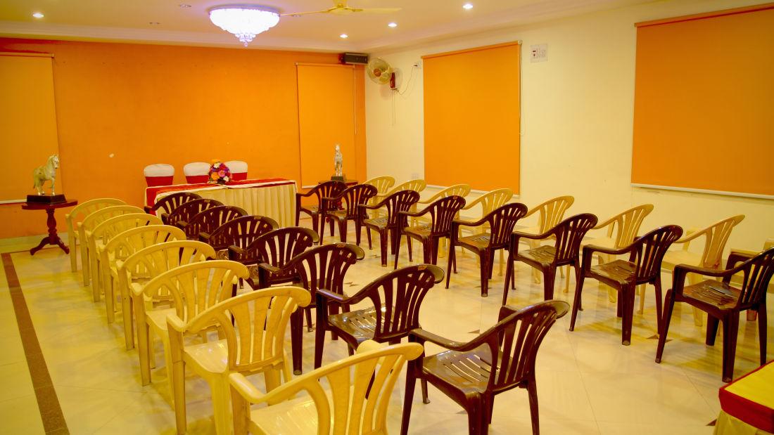 Meeting Hall Hotel Yasodha Towers 20