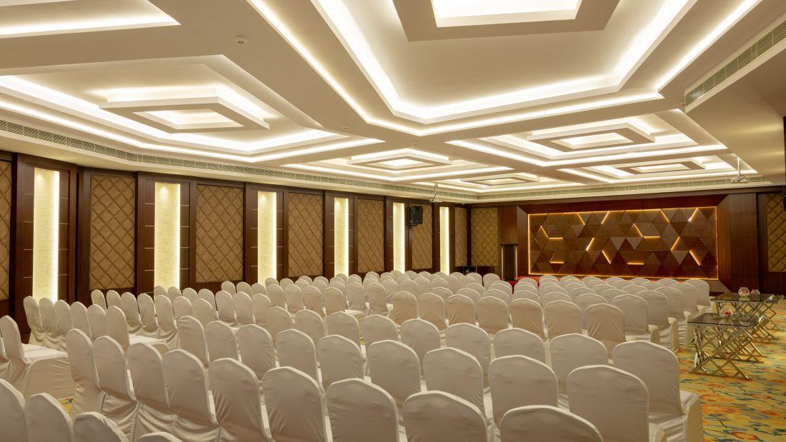 Jenneys jade 0016-Pano, Avinashi Road Hotels, Coimbatore Hotels, Banquet Halls in Coimbatore