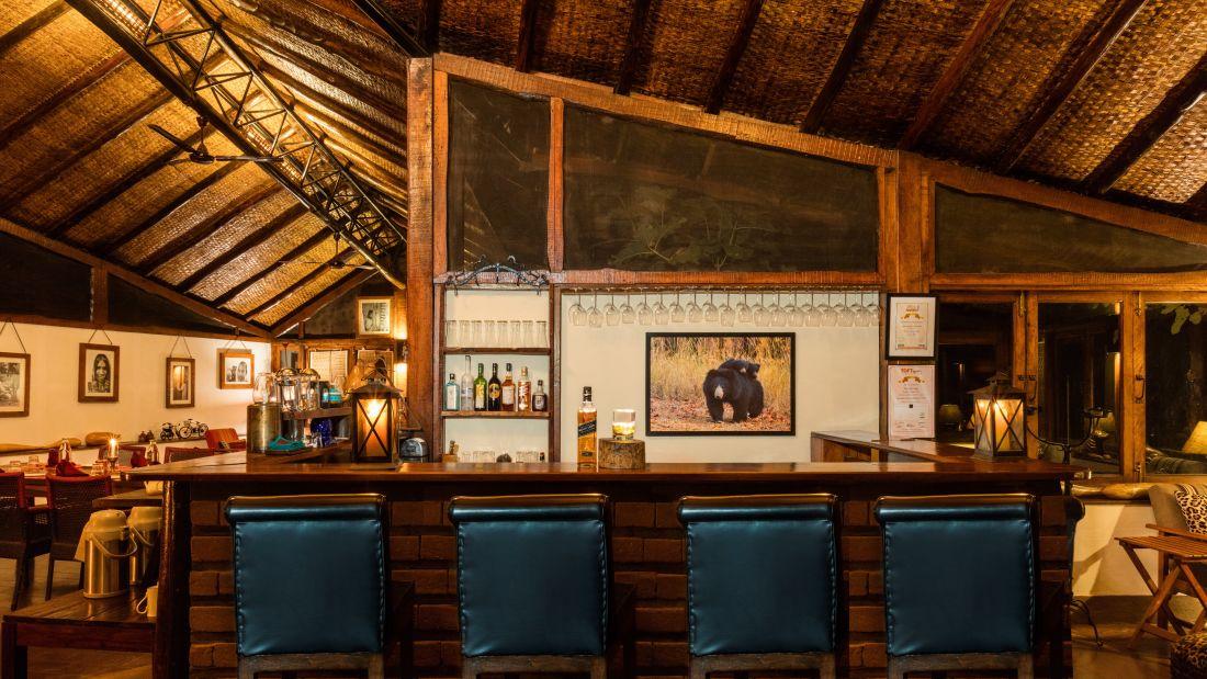Gol Ghar restaurant in pachmarhi-Reni Pani Jungle Lodge in Satpura w4tws