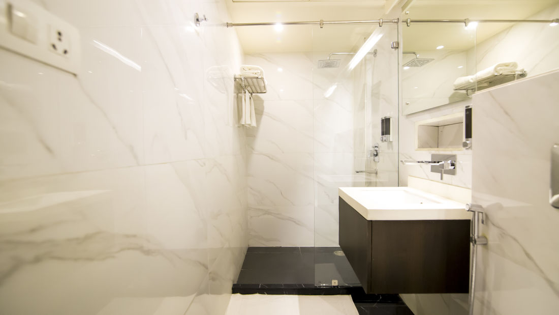 Onyx Luxury Bathroom 15