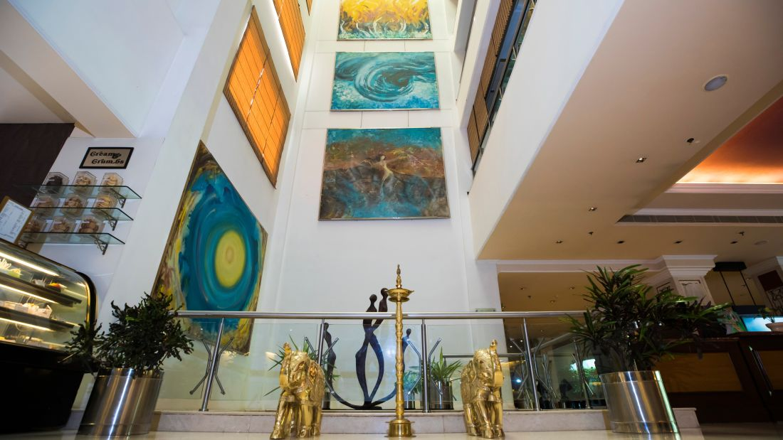 Lobby Paintings The Piccadily Lucknow