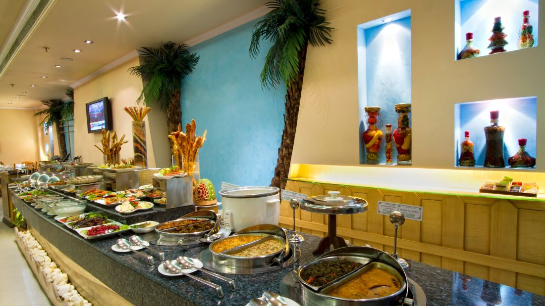 Marine Room Buffet Spread The Piccadily Lucknow