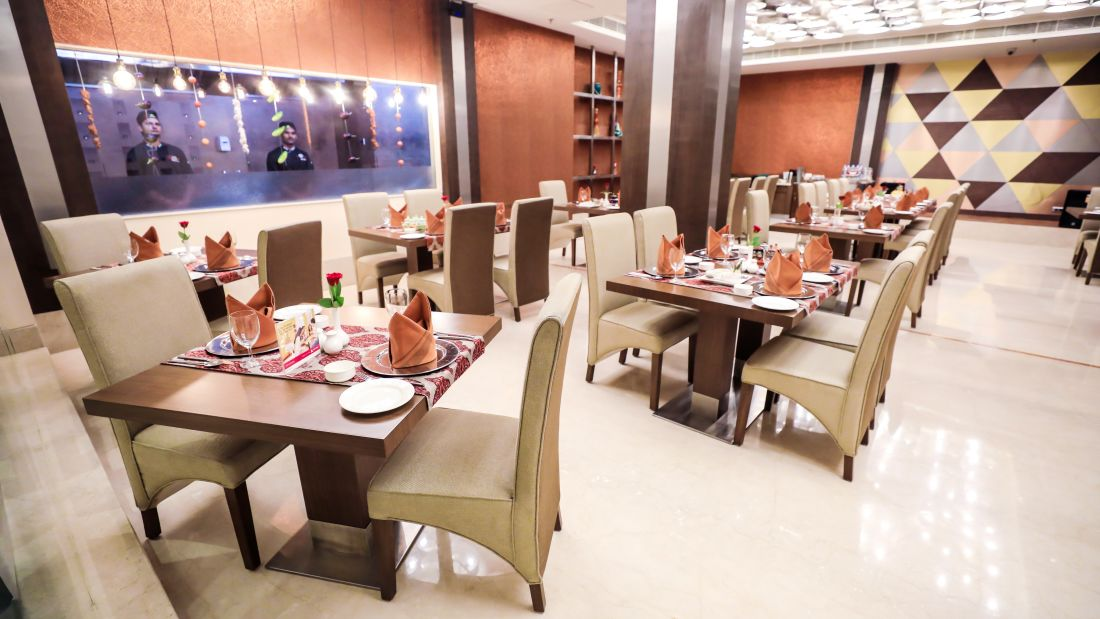 Restaurant in Lucknow, Punjab Restaurant at The Piccadily, Dining in Lucknow 7