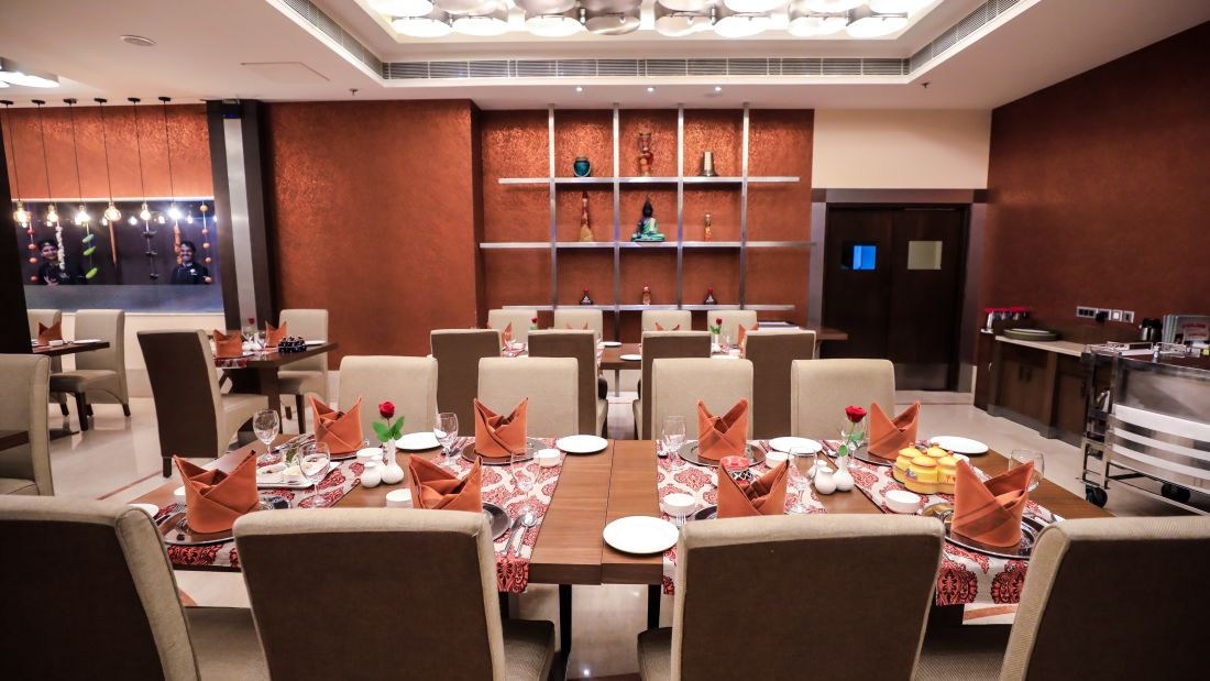 Restaurant in Lucknow, Punjab Restaurant at The Piccadily, Dining in Lucknow 9