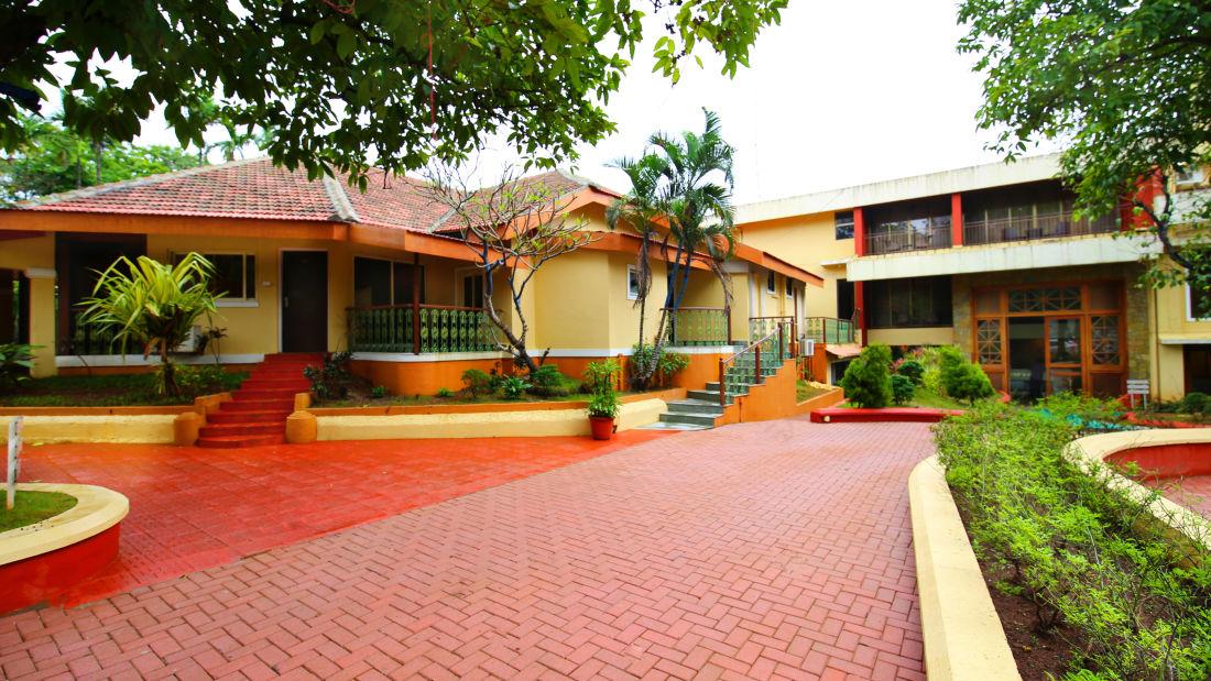 Open Air Wedding Banquet Hall Zara s Resort Khandala Hotels in Khandala 4