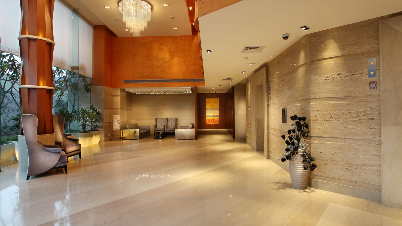 Lobby at Mahagun Sarovar Portico Vaishali, hotels in vaishali 2
