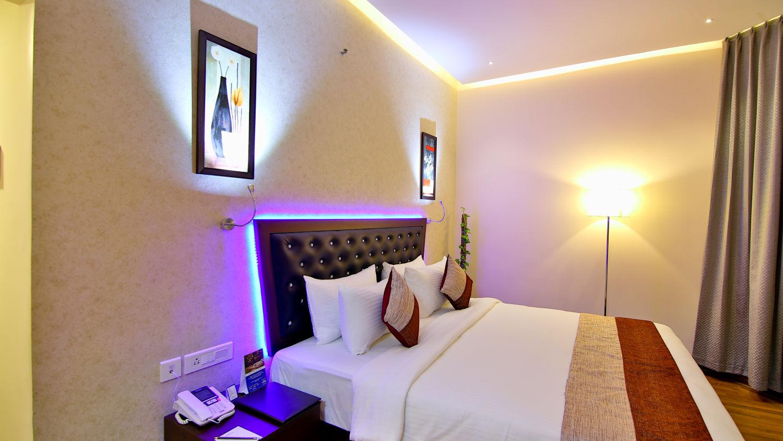 Superior Room at The Gokulam Park Kochi 4