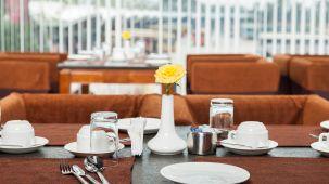 Hotel Abaam, Kochi Cochin 020 Coffee shop, hotels in kochi, cochin hotels, Kochi Hotels