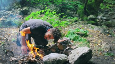 adventure-camping-daylight-fire-207324 xsoiij