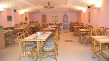 Restaurants in Cochin, Places to eat in Cochin, Abad Fort Kochi-5
