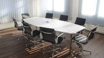 chairs-daylight-designer-empty-416320 1
