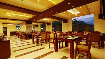 Oottupura Restaurant, Gokulam Park Munnar, Restaurant in Munnar
