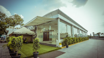 Pride Hotel & Convention Centre, 5-Star Hotel in Indore