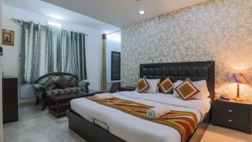 Room at The Hermitage Hotel (By Cosy Hotels), New Delhi1