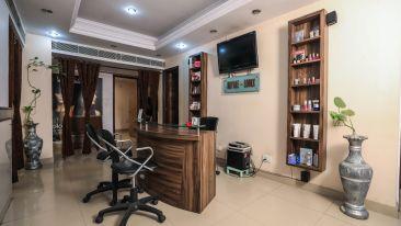 Salon in Lucknow, The Piccadily, Hotel near Hazratganj 2