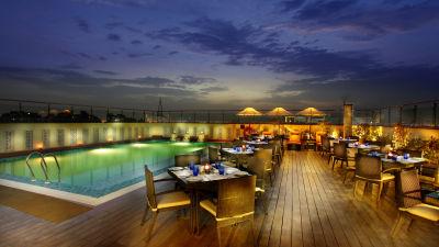 Terrace Grill at Mahagun Sarovar Portico Vaishali, restaurants in vaishali 2
