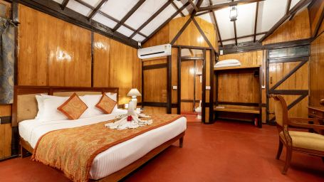 Cottages in Pune, Stay in Pune, Fort Jadhavgadh, Pune
