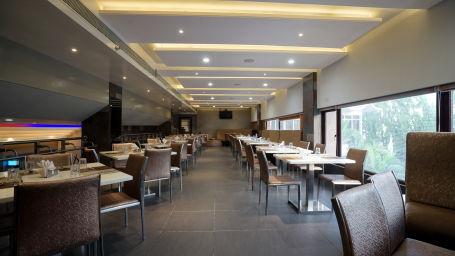 Dharani Restaurant at Hotel Daspalla Vishakhapatnam 2