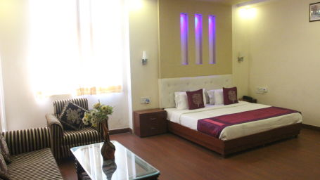 suite room at Hotel Dreamland in Haridwar  hotels in haridwar 2