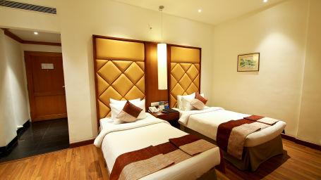 Superior Room at The Gokulam Park Hotel Kochi 9