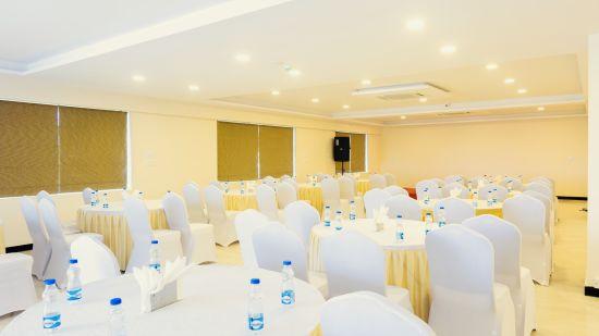 Mandara Banquet , Classio Inn Airport Hotel Bangalore , Best Banquet Hall In Bangalore 1