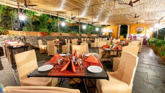 Chhajja Restaurant in Pune, Best restaurants in Pune, Fort Jadhavgadh, Pune