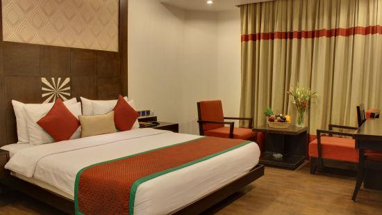 Executive Room Hotel Godwin Deluxe New Delhi 7