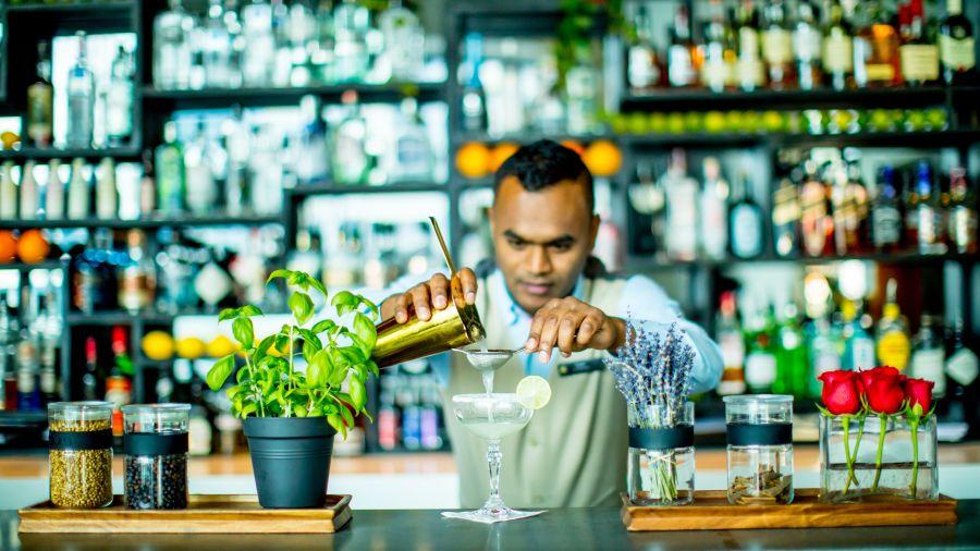 Signature Bars Signature Cocktails Worldly Classics