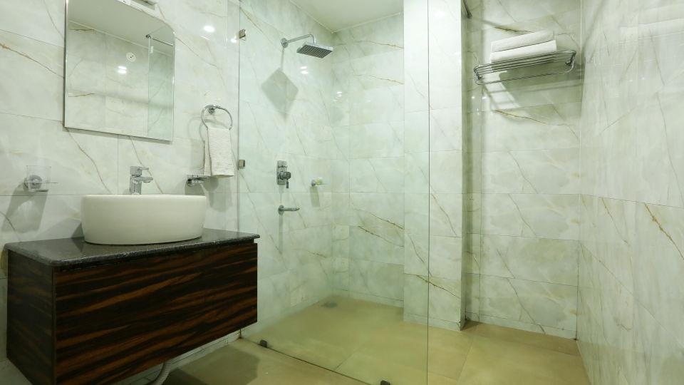 Deluxe Room at Alps Resort Dalhousie 1